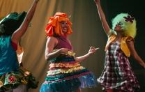 Espetáculos e oficinas de dança para a criançada