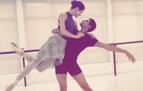 Thiago Soares, primeiro bailarino do Royal Ballet, em dueto com a pernambucana Aurora Dickie