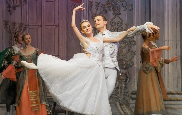 "Turnê ""The Best of Tchaikovsky"", do Ballet Imperial da Rússia, passará pelo Recife"