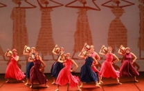 Gesttus, de dança moderna, reapresenta o espetáculo Adhiambo