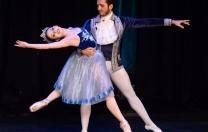 Simone Monteiro Ballet apresenta obras clássicas do balé de repertório