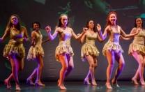 Oficina de Dança Popular da Aneska França