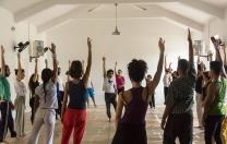 Coletivo Lugar Comum realiza encontro de dança de contato e improvisação