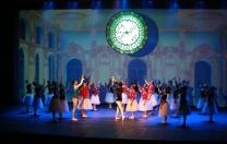 Espírito natalino no espetáculo de Simone Monteiro Ballet