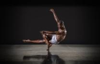 Bailarino José Alves, do Ballet Black, conta sua trajetória, de uma comunidade de Salvador até os palcos de Londres