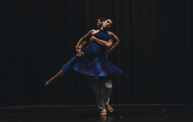 Coreógrafa Andrea Raw lança Escola Panamericana de Dança Moderna, online