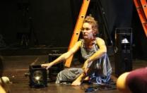 Artista de dança promove círculo dançante e terapêutico para mulheres
